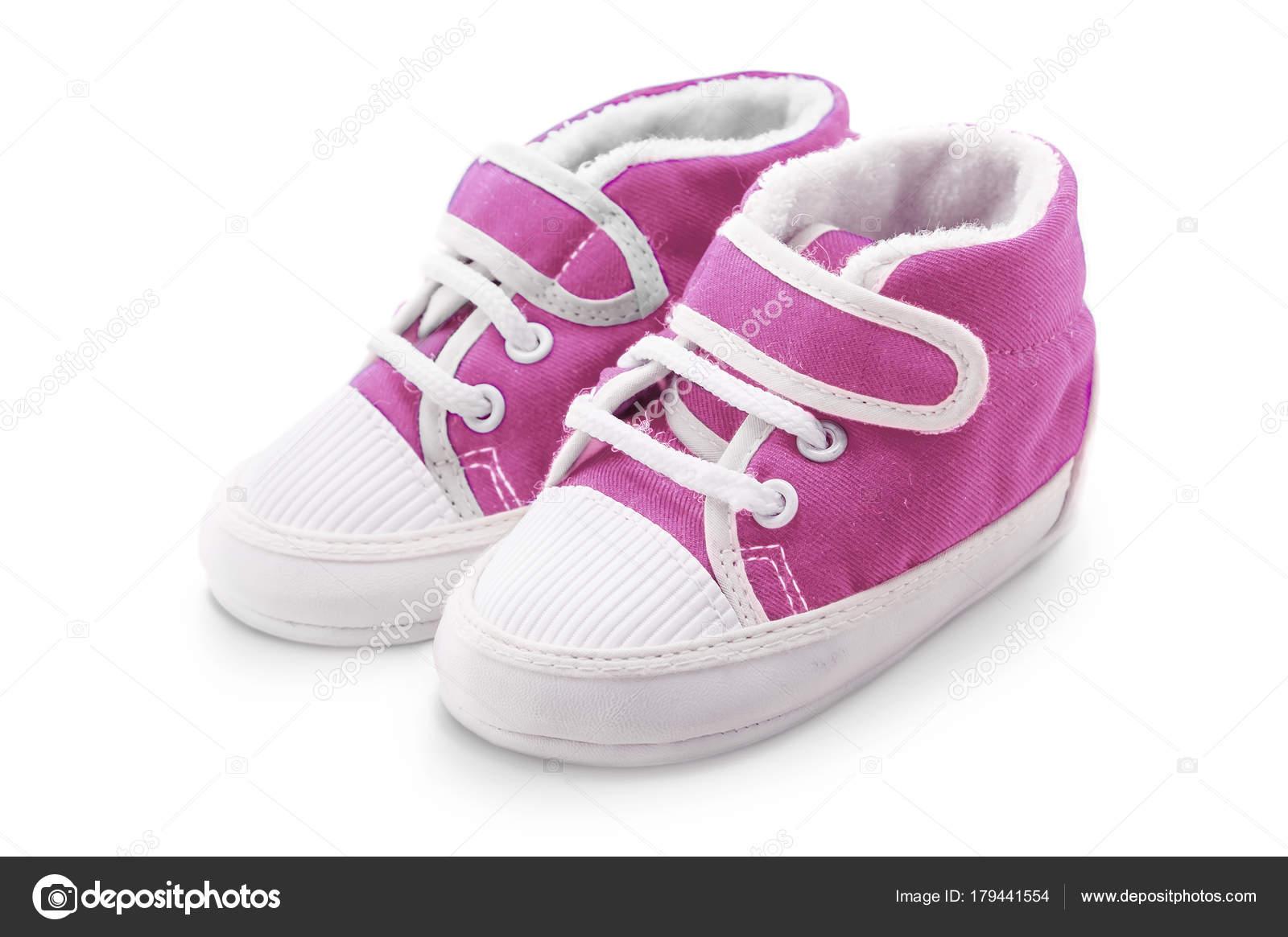09ed4a507cb5f Chaussures bébé rose isolés sur fond blanc — Image de Aleksip