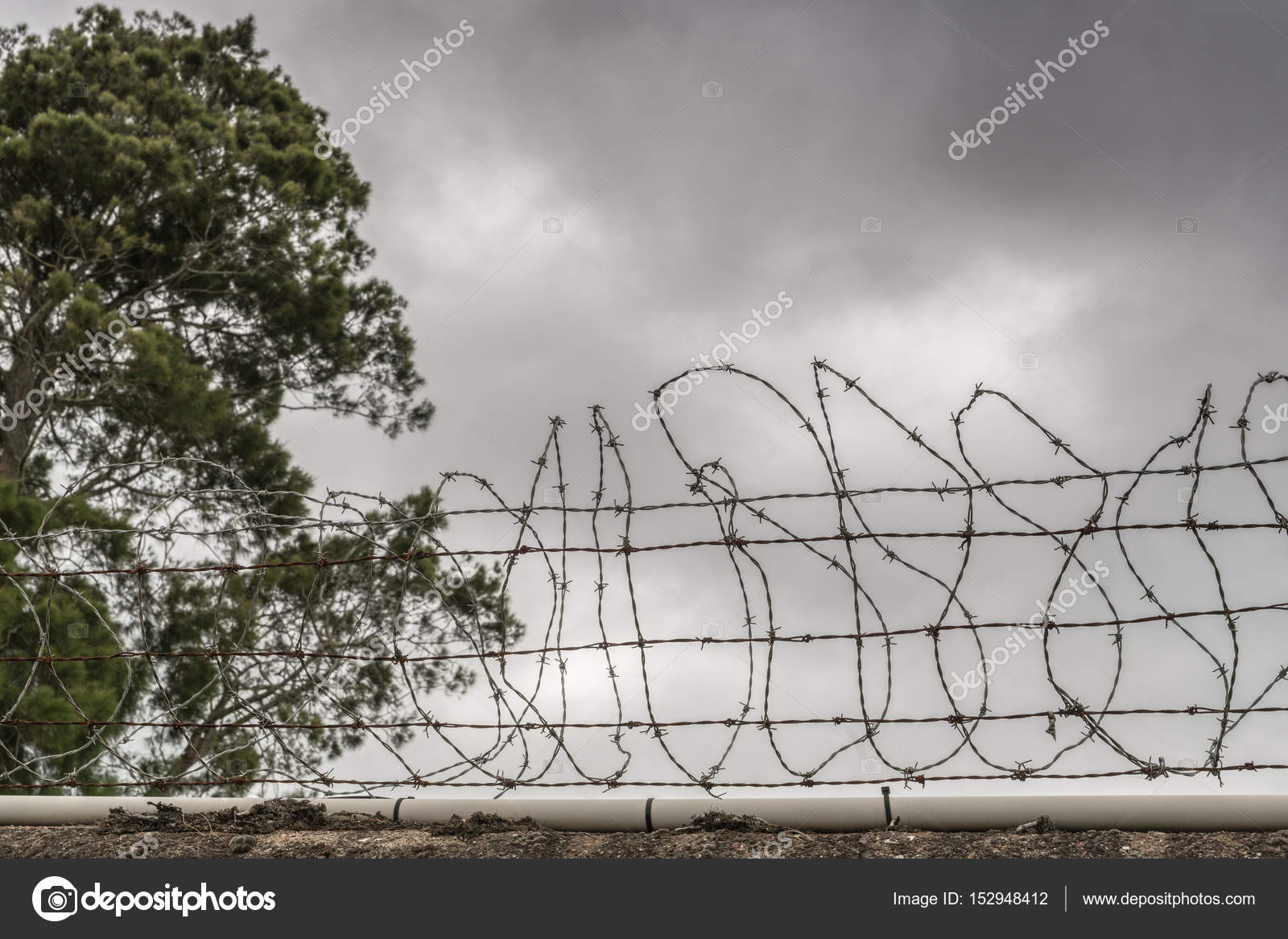 Nasty Fence at MOTAT Aviation Display site in Auckland. – Stock ...