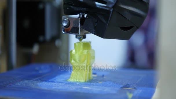 Zblízka pohled, tisk trojrozměrných plastových obrázek na trojrozměrné tiskárně