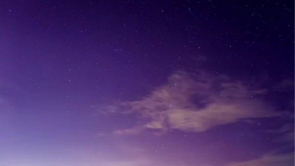 Vesmír galaxie Mléčné dráhy časová prodleva, příroda, modré, tmavé Mléčné dráhy, pohled galaxie, hvězda čáry, timelapse noční oblohy hvězdy Mléčné dráhy na pozadí hory., timelapse hvězdy a měsíc v horských noční oblohy