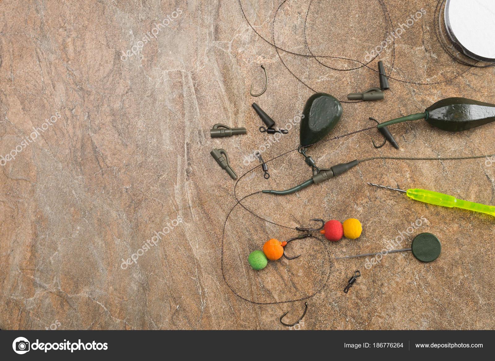 Приманки, крючки, грузила, ledcor готовится для ловли карпа ...