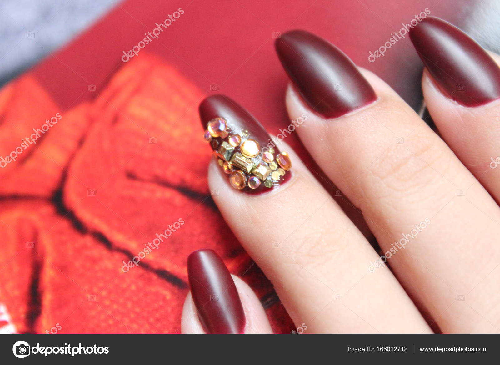 red nailart jewel nails — Stock Photo © Patwind #166012712