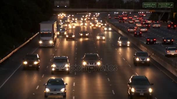 rack focus traffic headlights