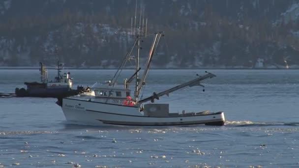 rybářský člun předávání odchozích vlečný člun