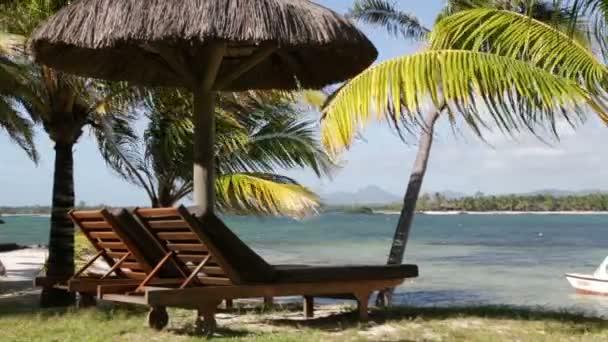 A sunny beach, Mauritius nyugágy