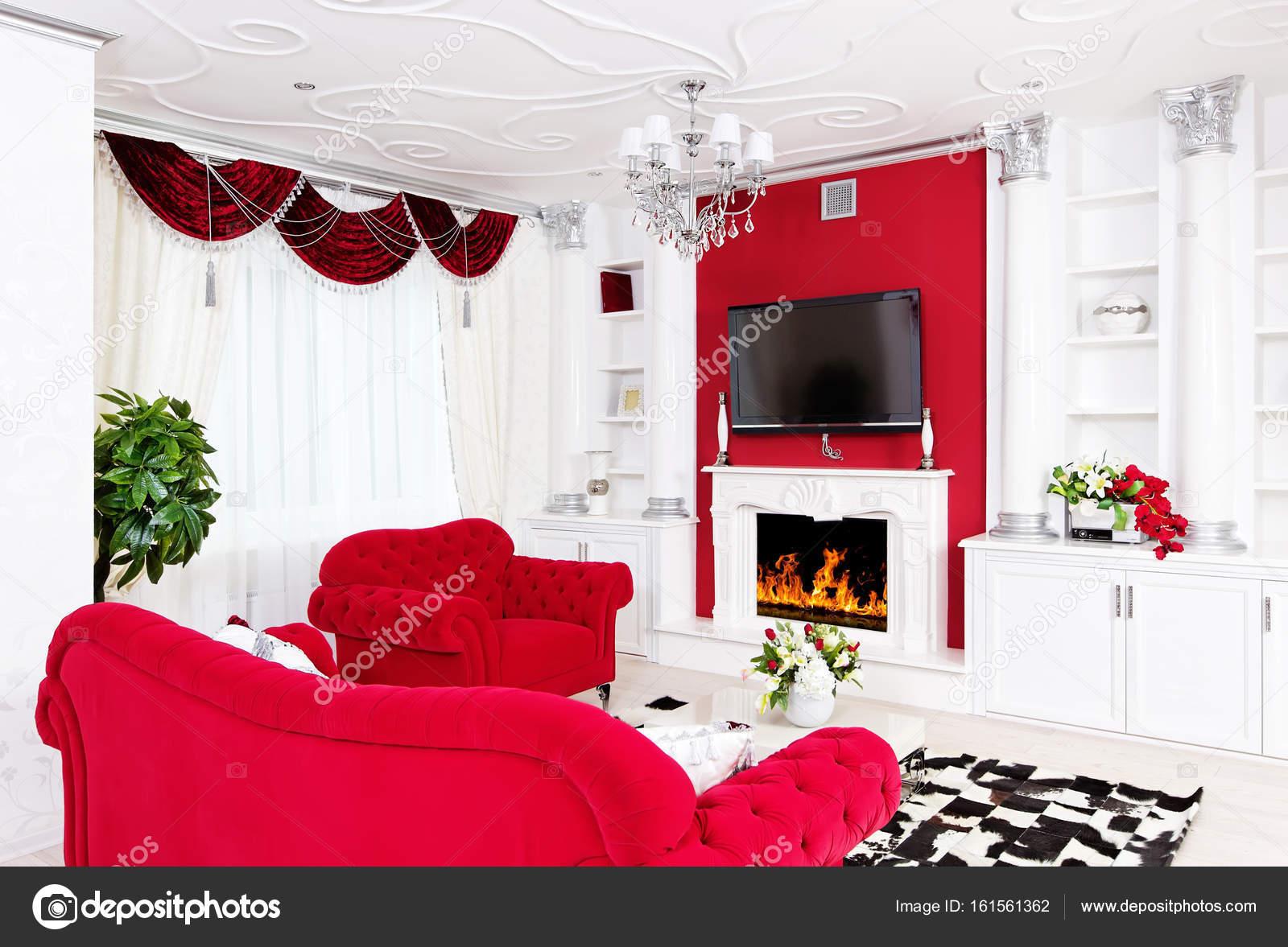 Klassiek Wit Interieur : Klassieke woonkamer wit interieur met open haard en beautifu