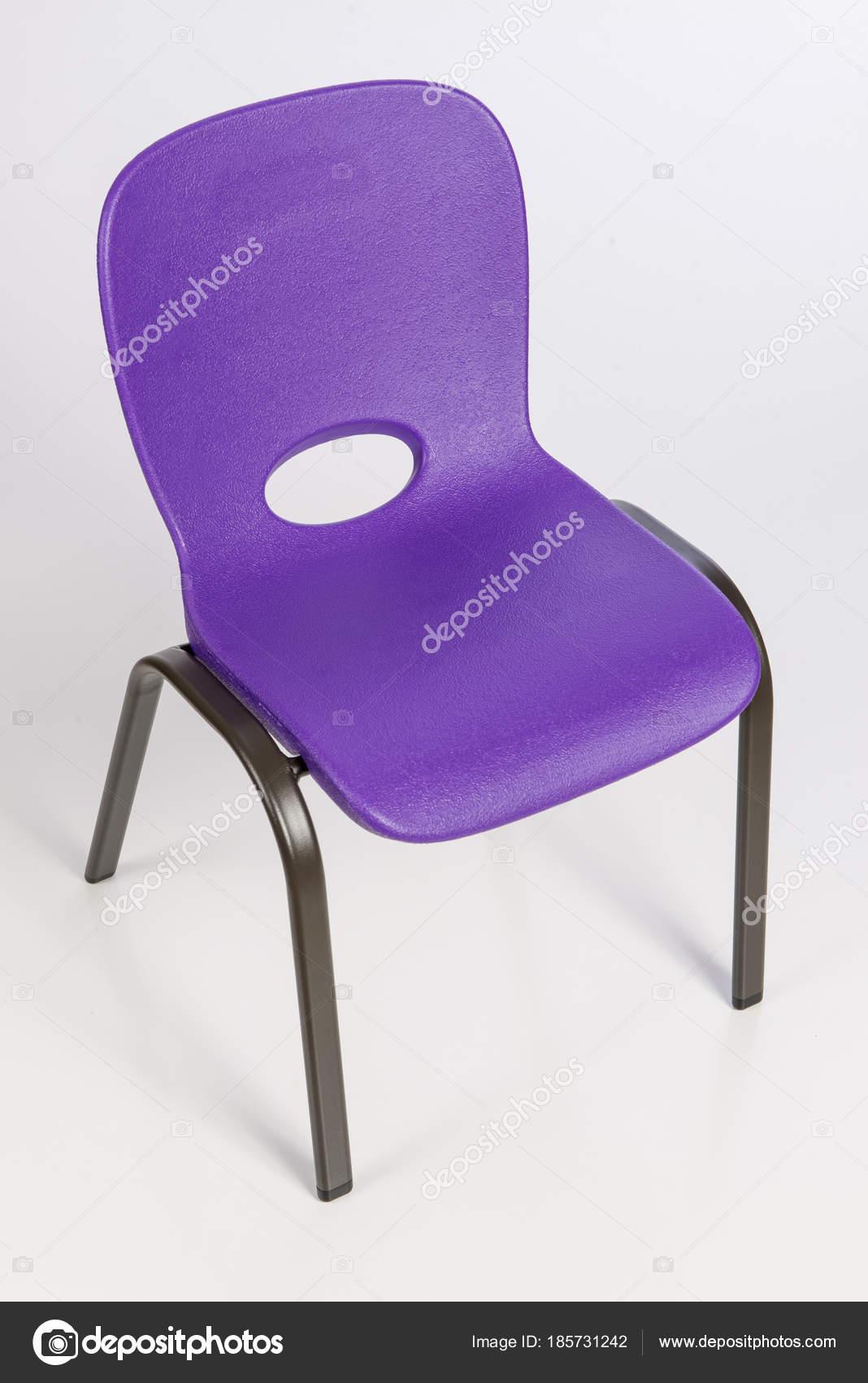 Sedia di plastica del bambino — Foto Stock © visfineart #185731242
