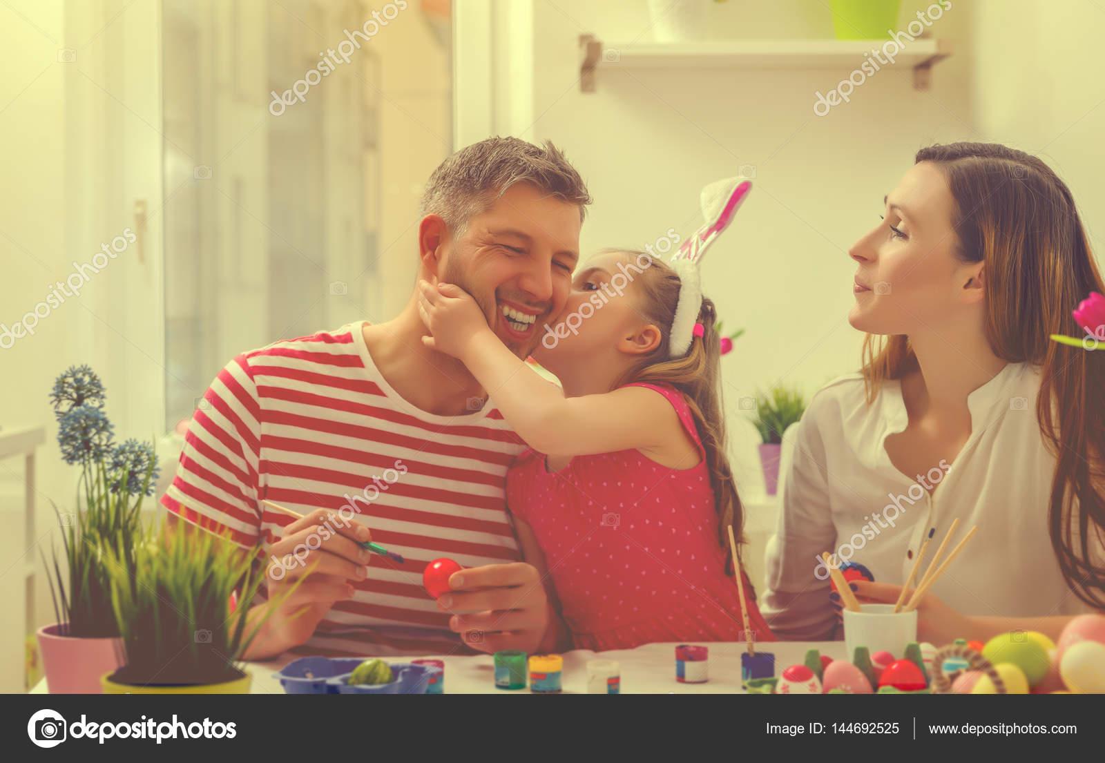 familia Santa en casa — Fotos de Stock © sunemotion #144692525
