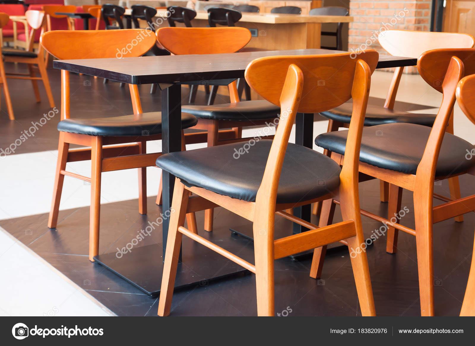Styl Klasyczny Stoły I Krzesła W Kawiarni Projektowanie