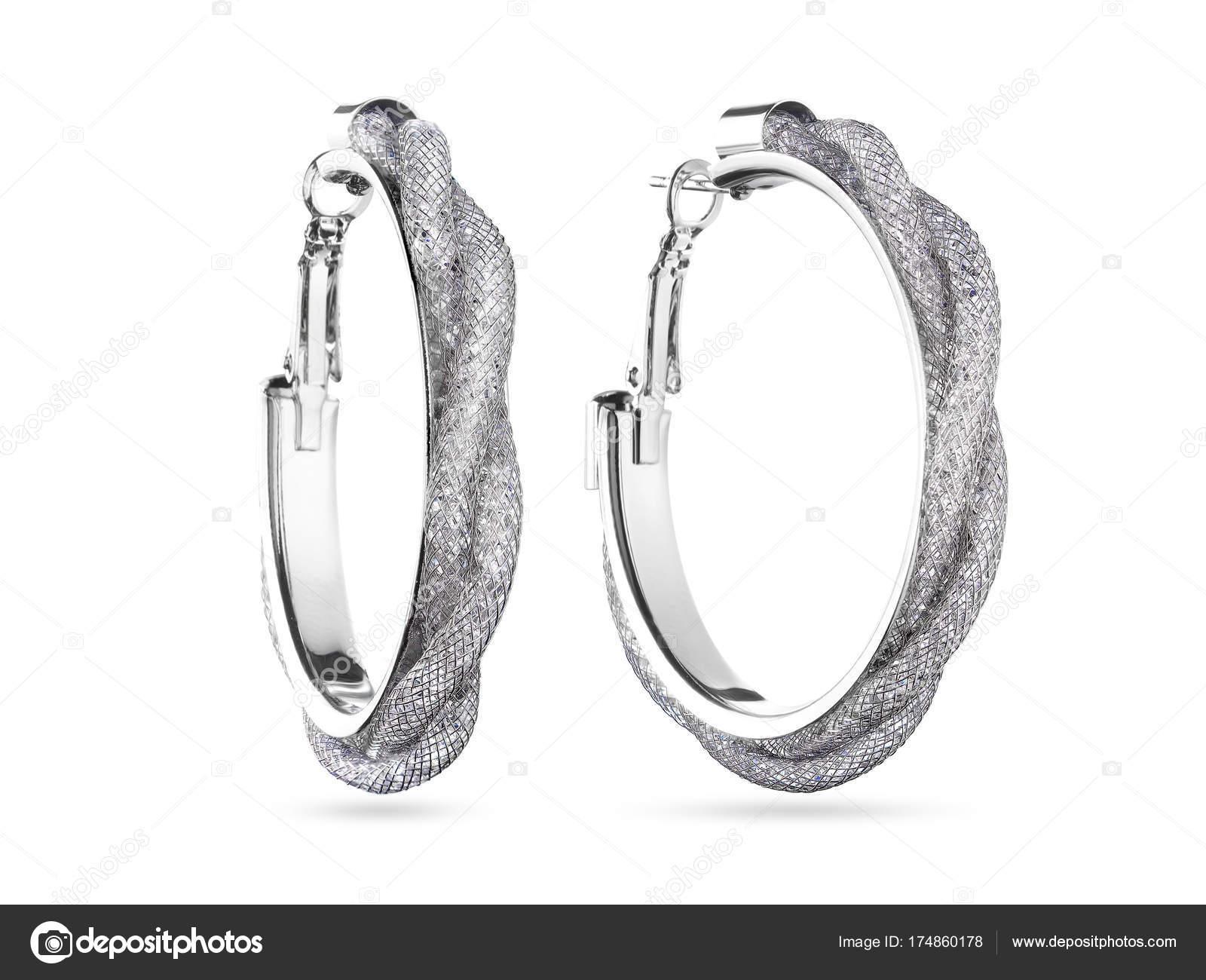 8d8757aa291d Aros de oro blanco ronda pendientes de diamantes sobre fondo blanco -  fotos  aros de oro — Foto de manager profline.ae