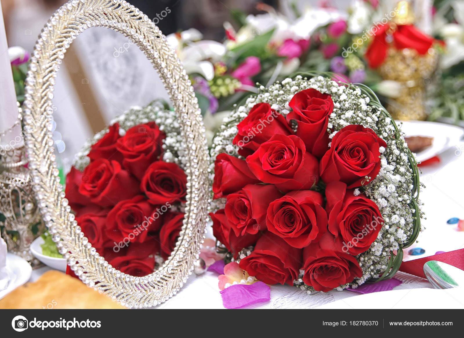 Bouquet De Mariage Rouge Concept De La Saint Valentin Un Bouquet
