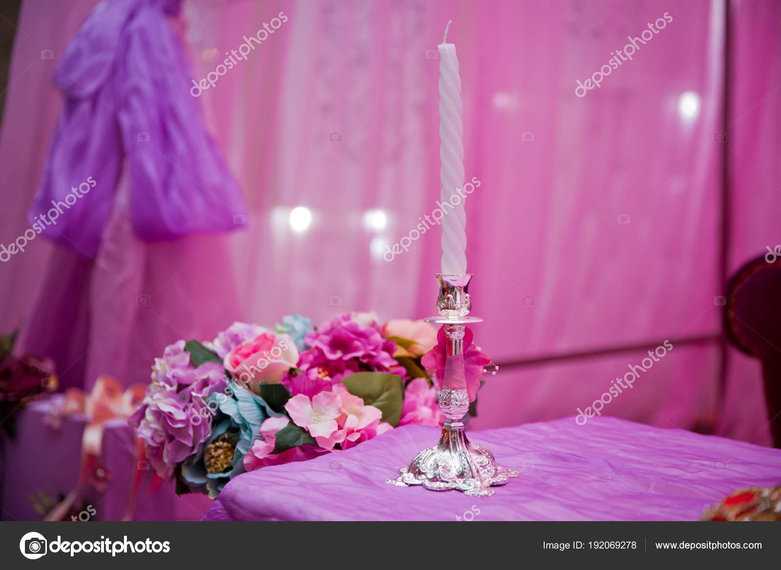 Bougies Decoratives Blanches Roses Arriere Plans Belle Chandelle