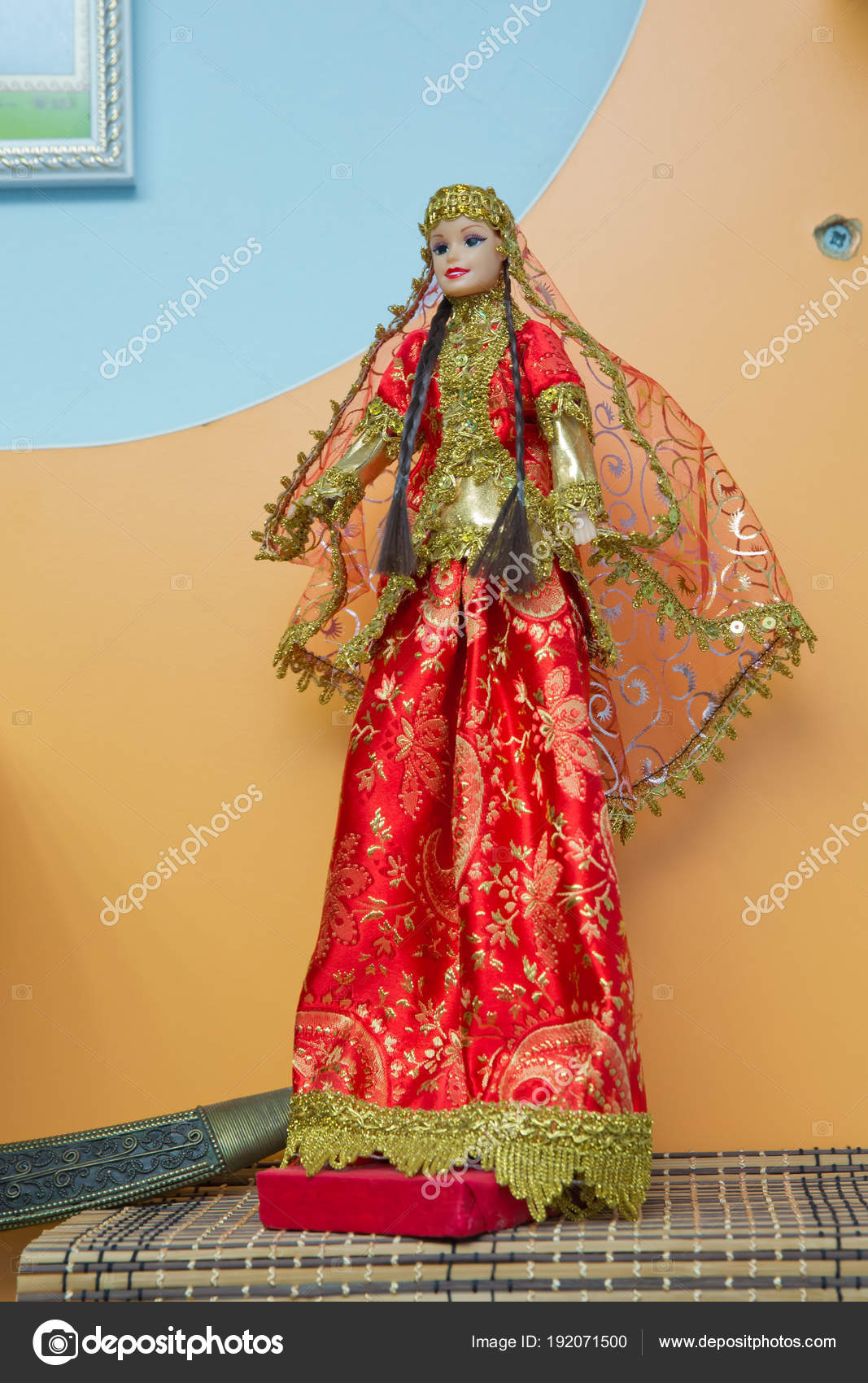 Azerbaijan National Women S And Men S Puppet Wear Azerbaijani Traditional Clothing Young Turkish Azeri Woman In Traditional Azerbaijani Dress Doll Stock Photo C Fotoqraf Tk Mail Ru 192071500