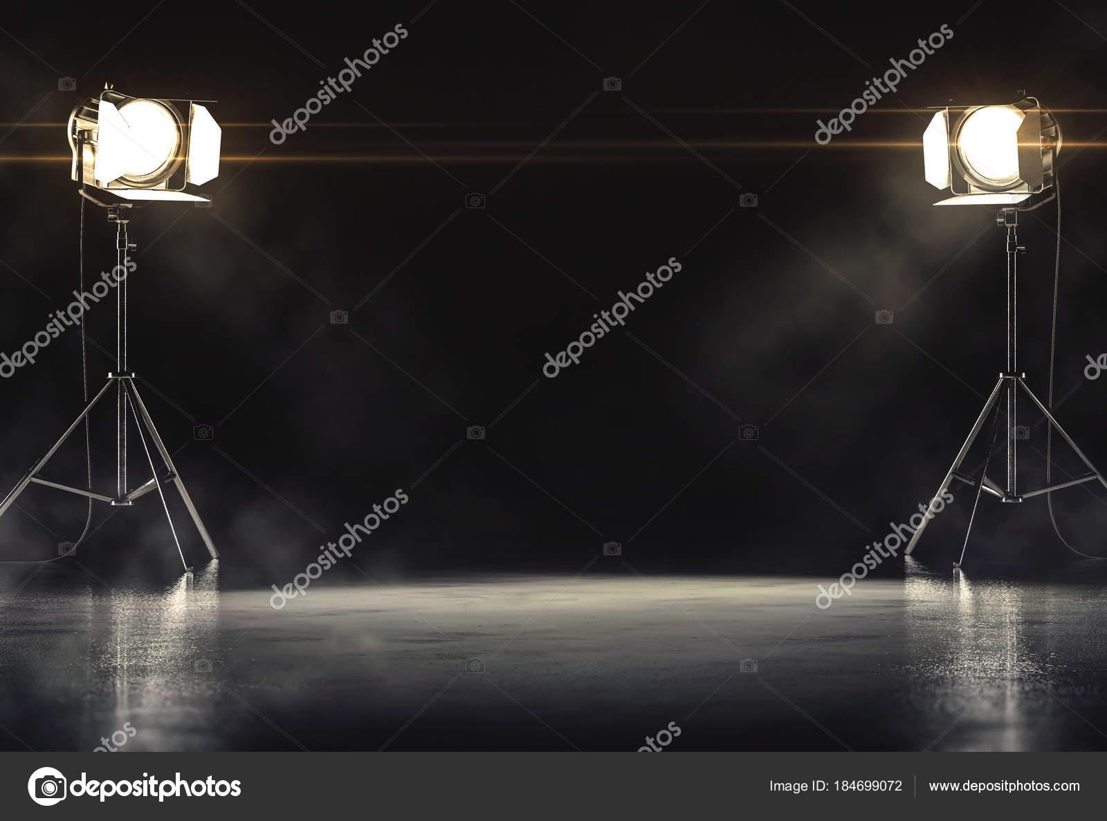Camera oscura con proiettori illuminazione piedi sul pavimento