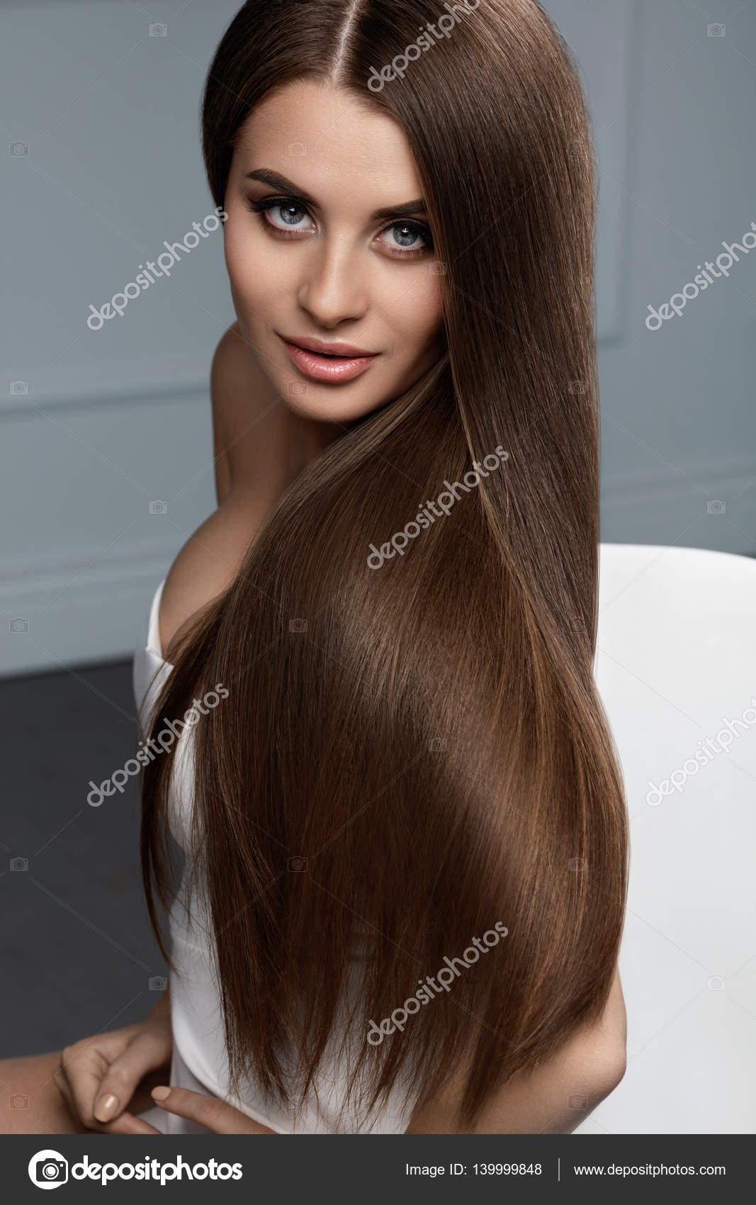 Mooie Haarkleur Vrouw Met Glanzende Rechtstreeks Bruin Lang Haar