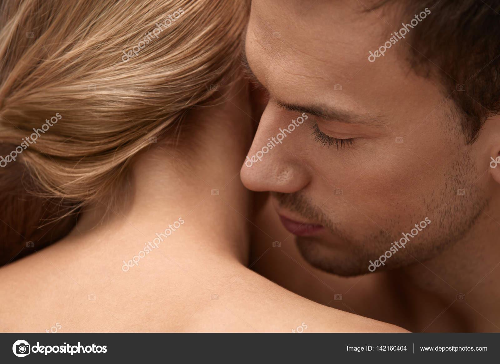 efd8ba726ef0 Skin Smell. Closeup Of Male Smelling Female Skin. Body Cosmetics — Stock  Photo