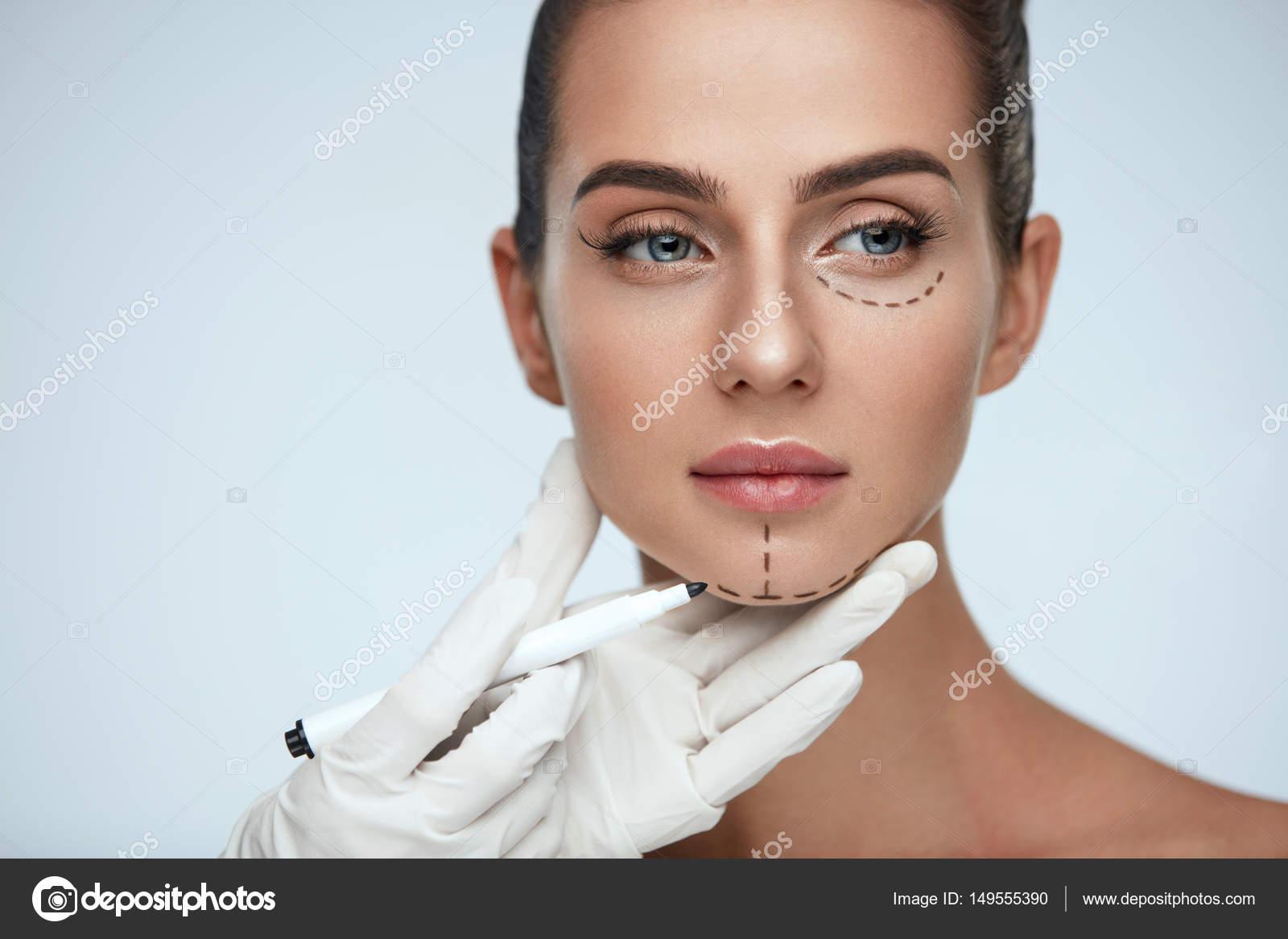 Trattamento Estetista Disegno Linee Chirurgica Sul Fronte Della
