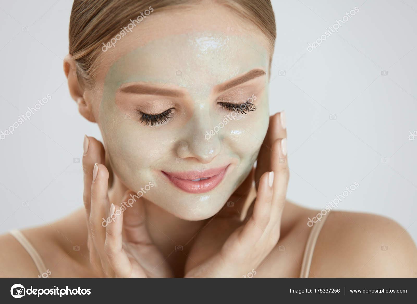 Yumuşak ve genç eller için ev yapımı maskeler