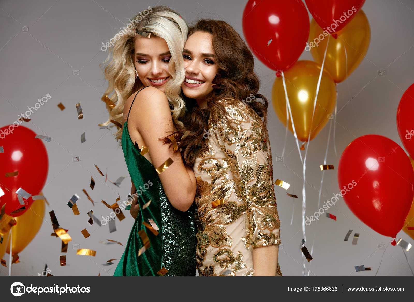 7be304b9622 Party Fun. Beautiful Girls Celebrating New Year — Stock Photo ...
