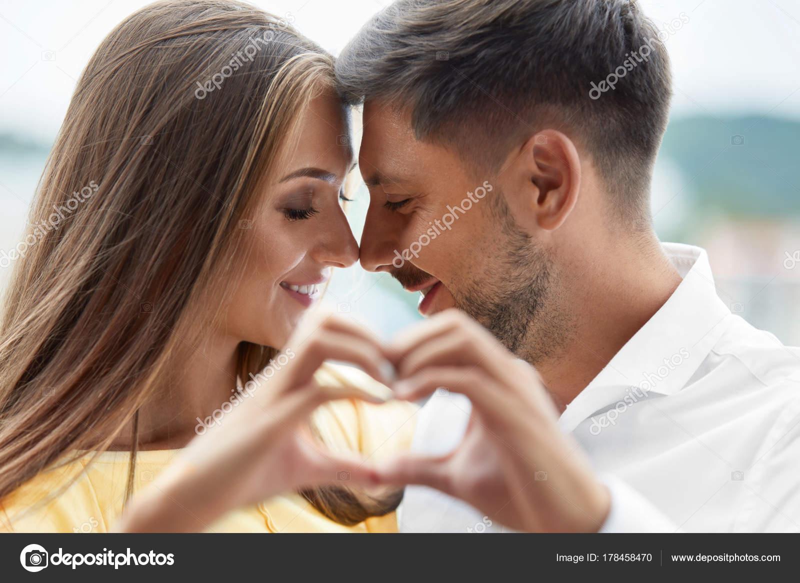 Lesbians Making Love Tribbing