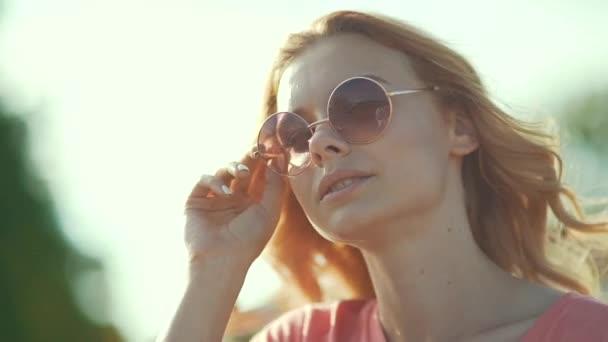 3e1d109cae Beautiful Girl Sunglasses Enjoying Summer Sun Happy Smiling Woman Having — Stock  Video