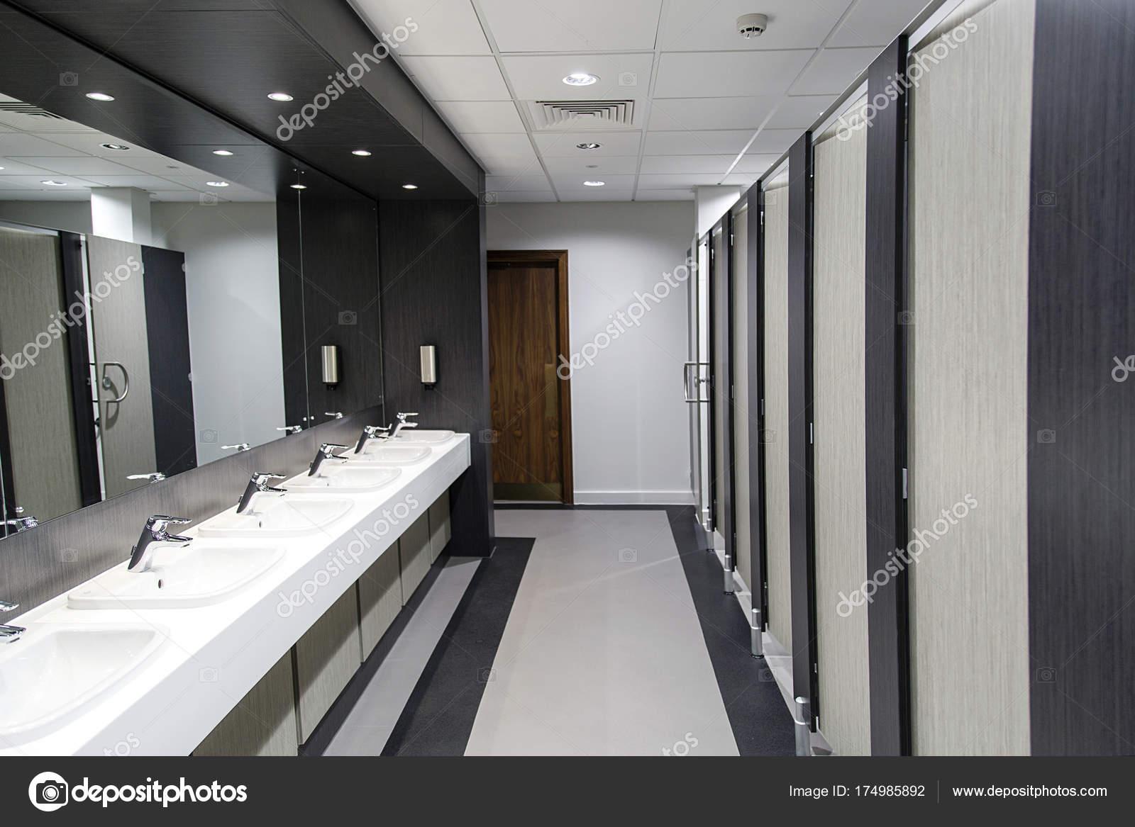 Meuble Salle De Bain Ebeniste ~ Public Salle Bains Toilettes Publiques Photographie Jax10289