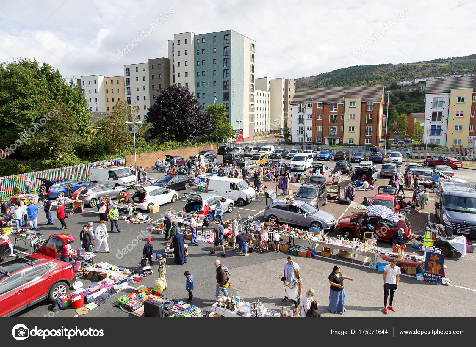 Swansea August 2017 Car Boot Sale Local People Sell Unwanted