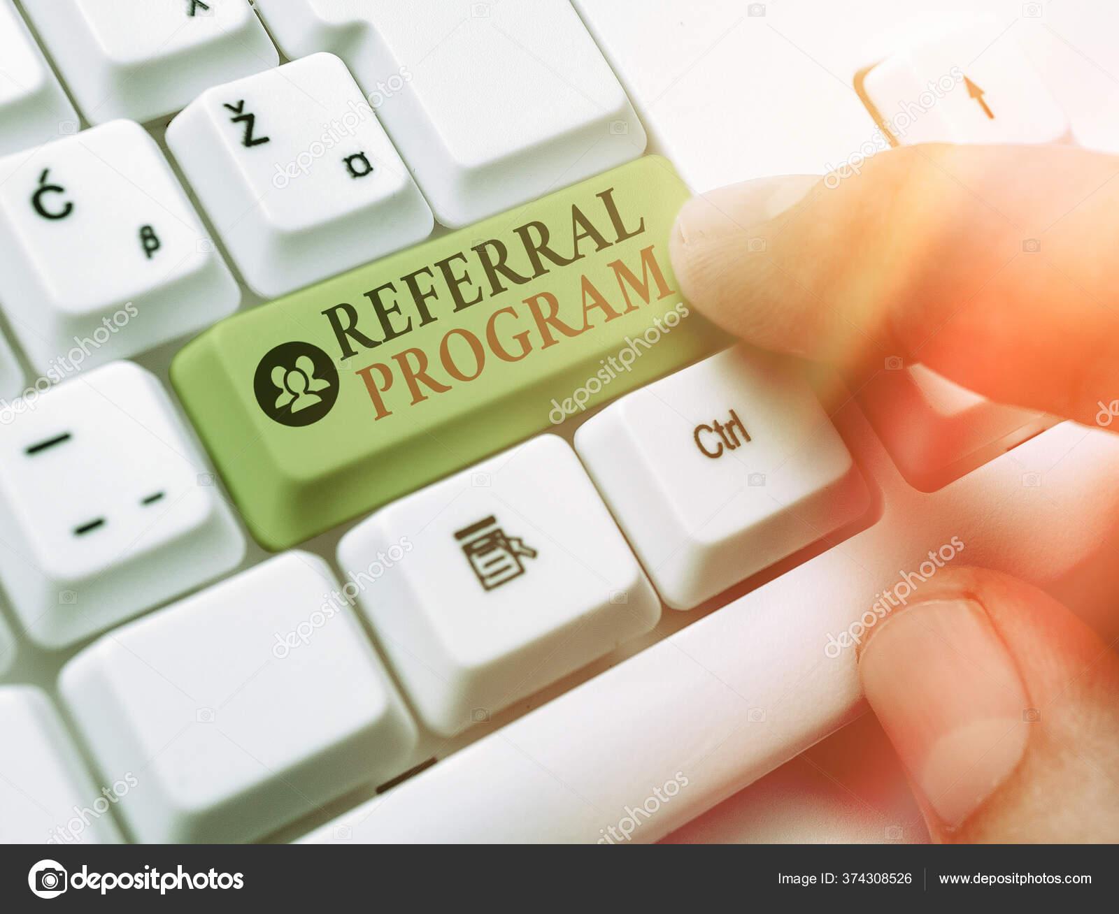 https tr depositphotos com 374308526 stock photo handwriting text writing referral program html