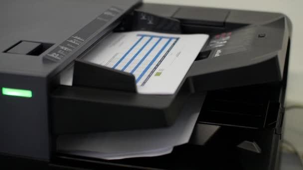 Verwendung des Druckers zum Scannen des Dokuments