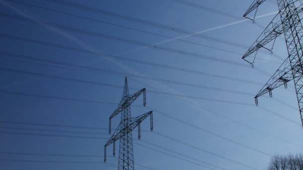 vysokonapěťové přenosové věž