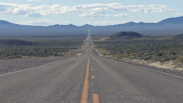 Zoom auf die wunderschöne Landschaft der Nevada-Wüste