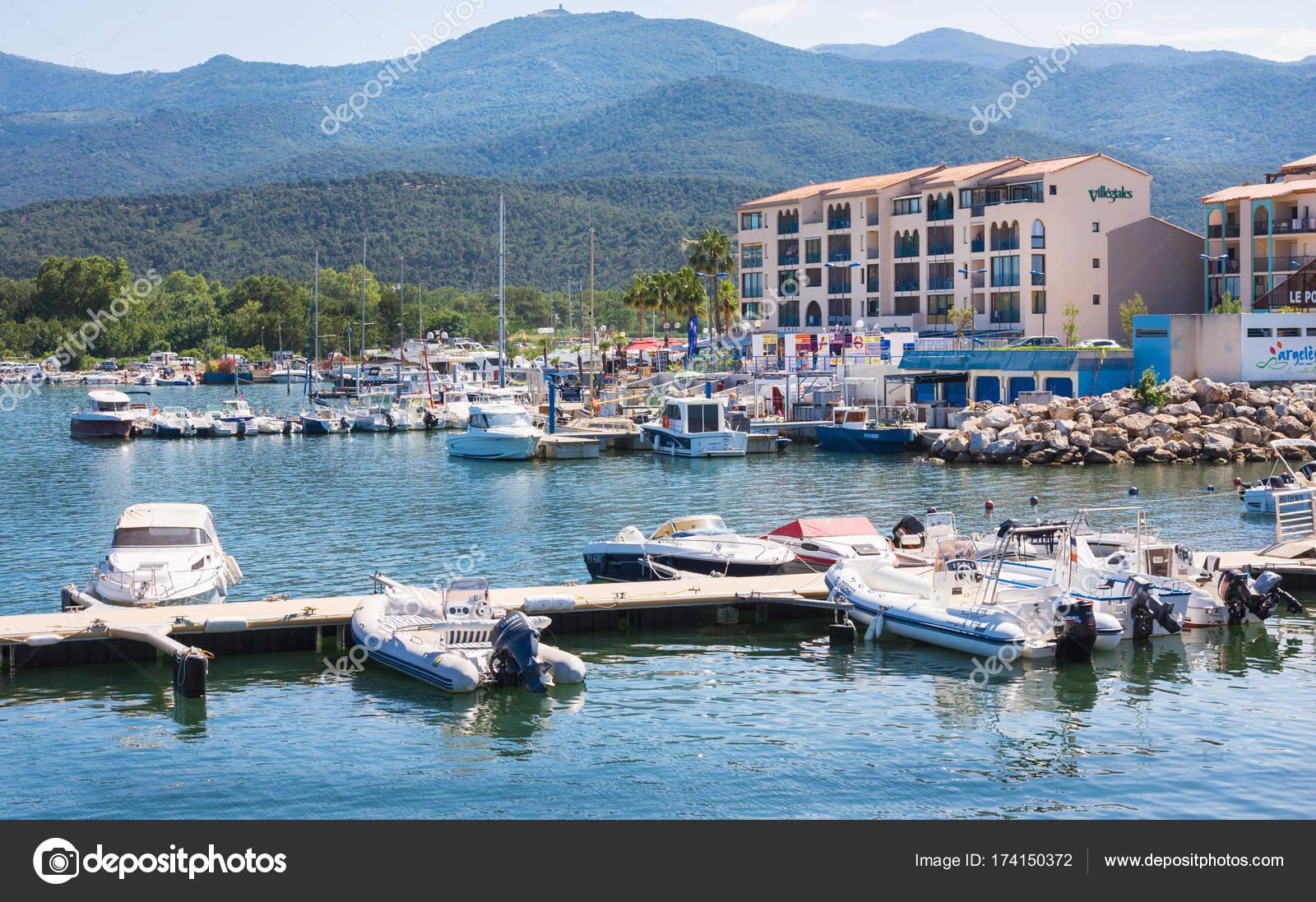 ARGELES SUR MER FRANCE JULY Residence Mer And Golf Port - Residence port argeles