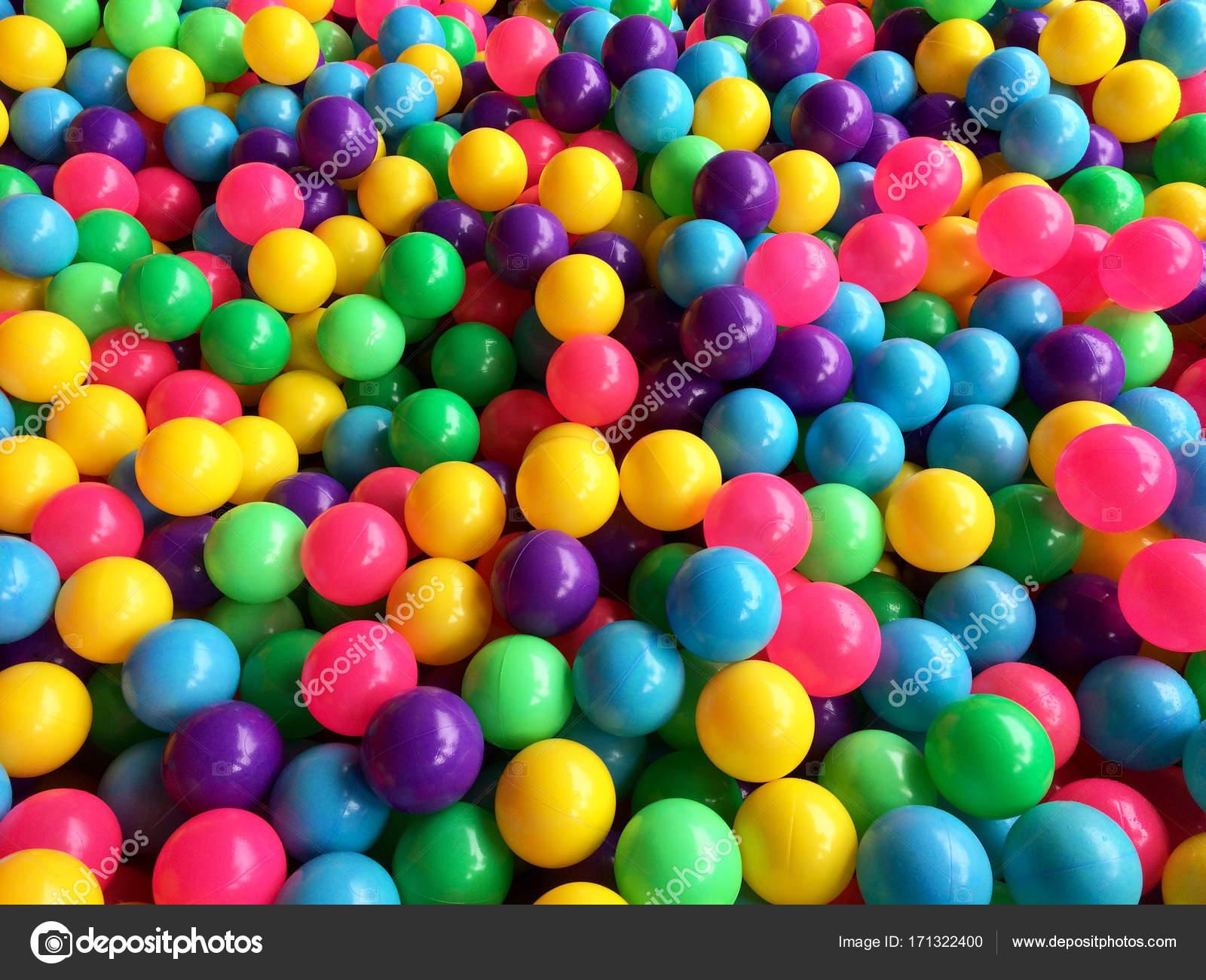 Asciugare la piscina per bambini con palline colorate - Piscina con palline per adulti ...