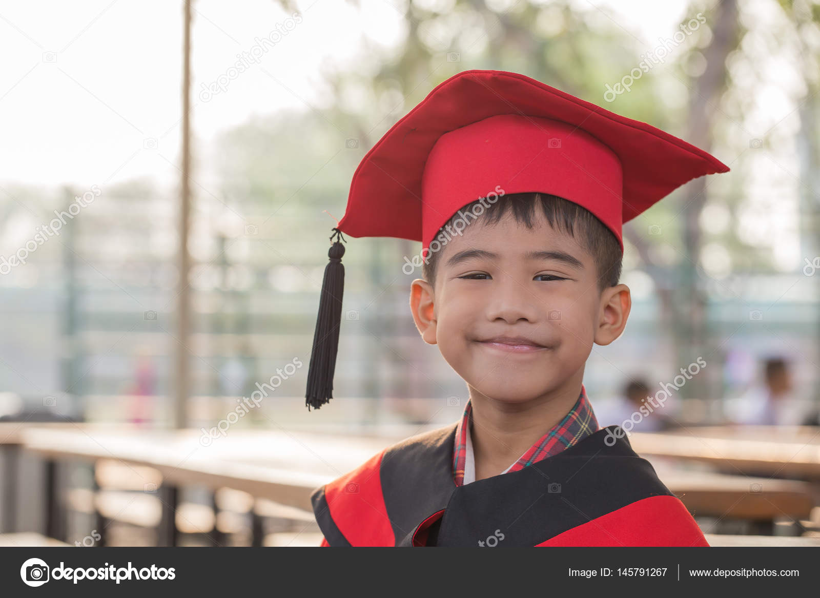 Asian boy Red graduation gown — Stock Photo © photonewman #145791267