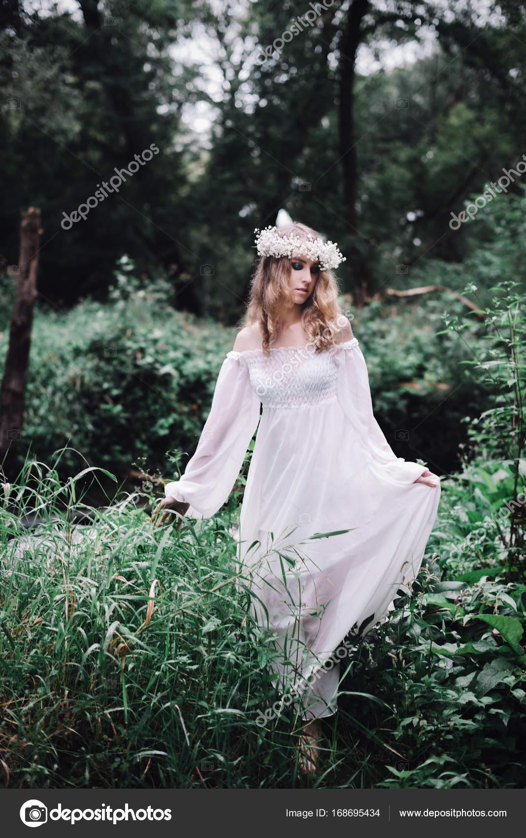 Секс с девочками в лесу