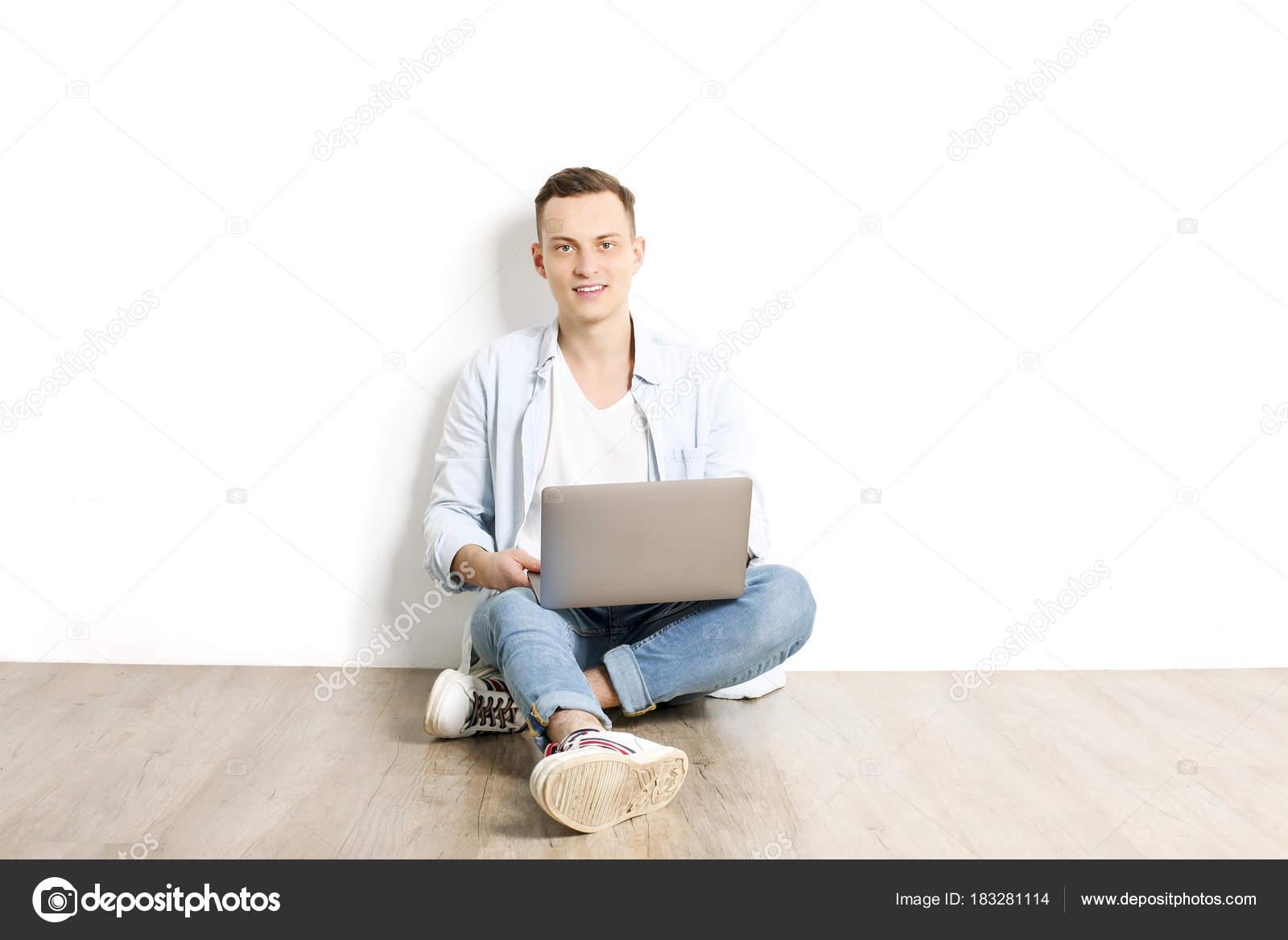 bílá dívka datování hnědý chlap ne pravidla vaší matky online datování