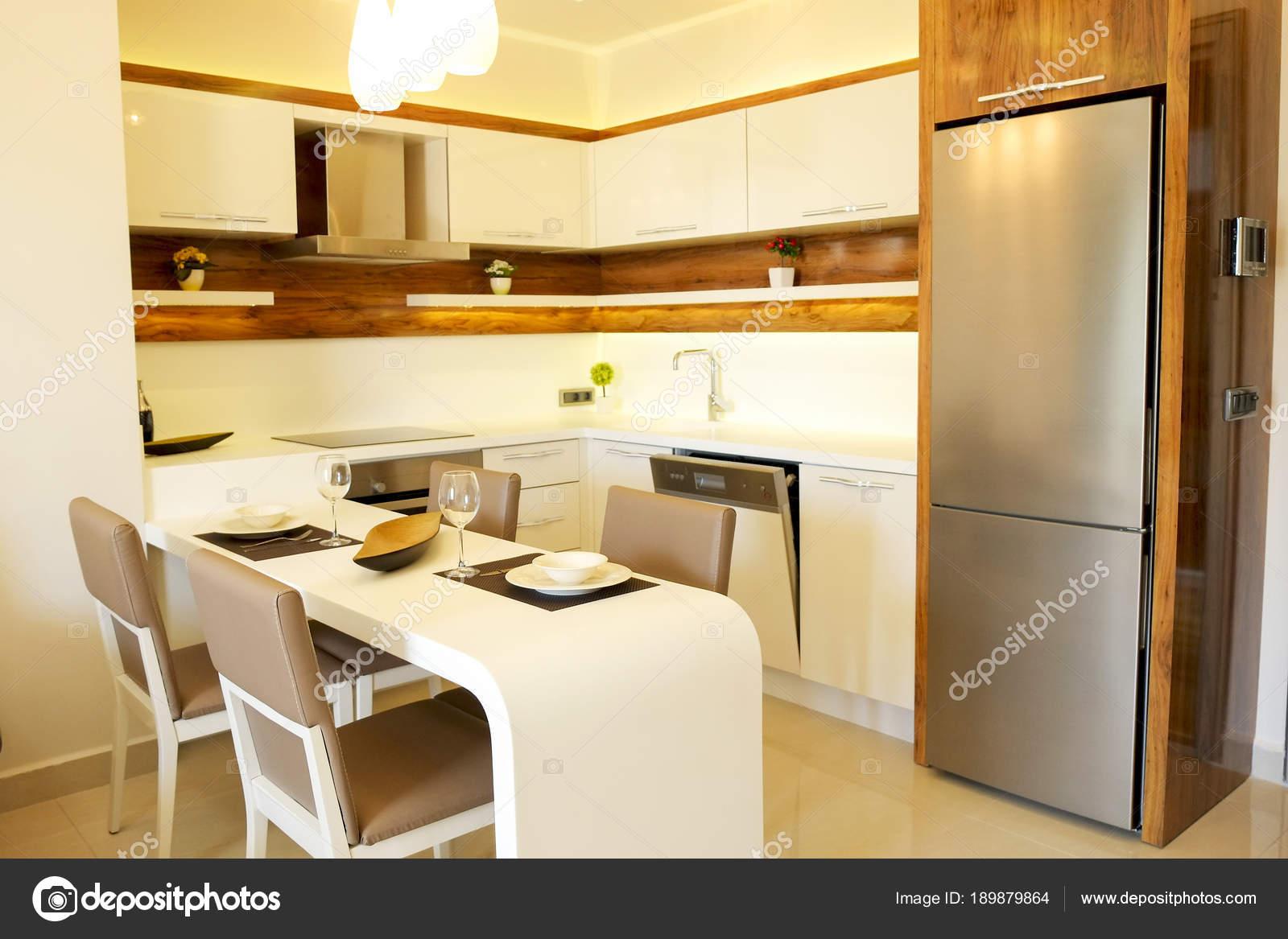 Malerisch Offene Küche Wohnzimmer Bilder Dekoration Von Schöne Sonne Seite Wohnung Mit Einfachen Minimalistisch