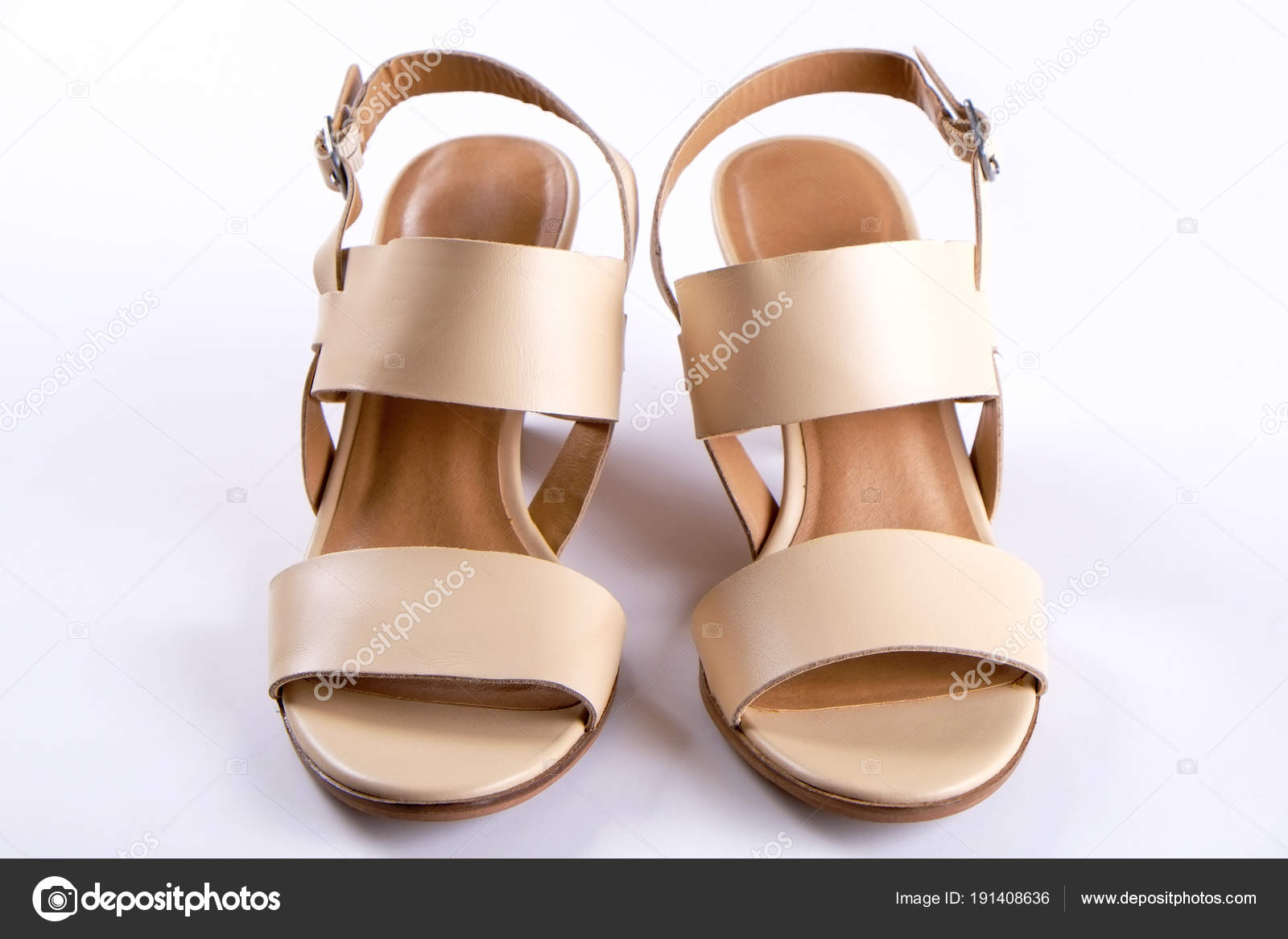 86fb525e507 Κάτοψη της μόδας θηλυκό μεσαίου ψηλοτάκουνα δερμάτινα παπούτσια των ...