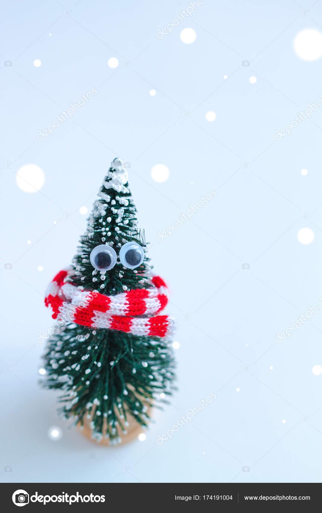 a04816c939e Vánoční Stromeček Hračka Pletená Šála Červená Bílá Efektem Sněhové Vločky —  Stock fotografie