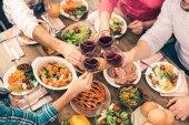 Pěkná rodina chutné večeře
