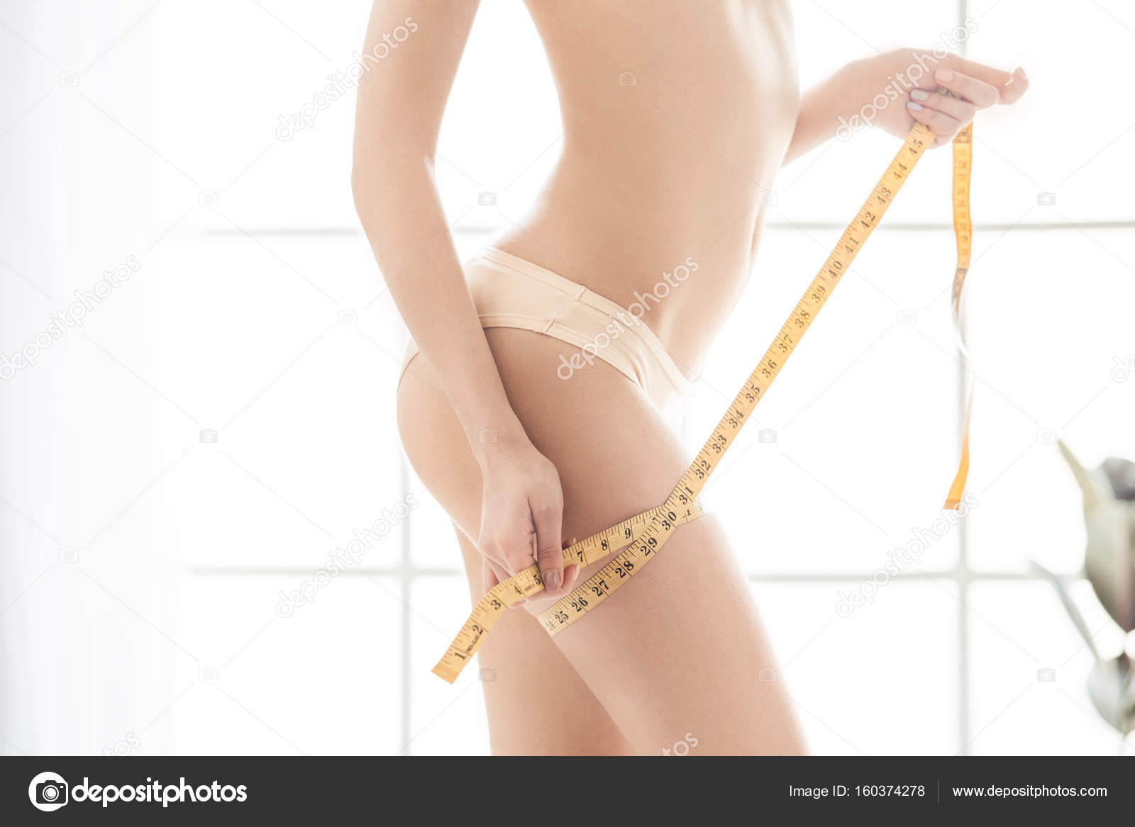 9c909f3080 Young woman weight loss perfect body shape — Stock Photo ...