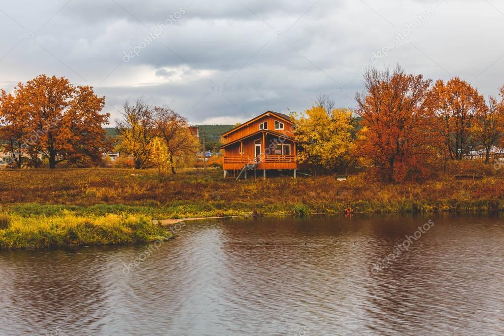 Casas Hechas Sobre Pilotes Escandinavo Casa Madera Sobre