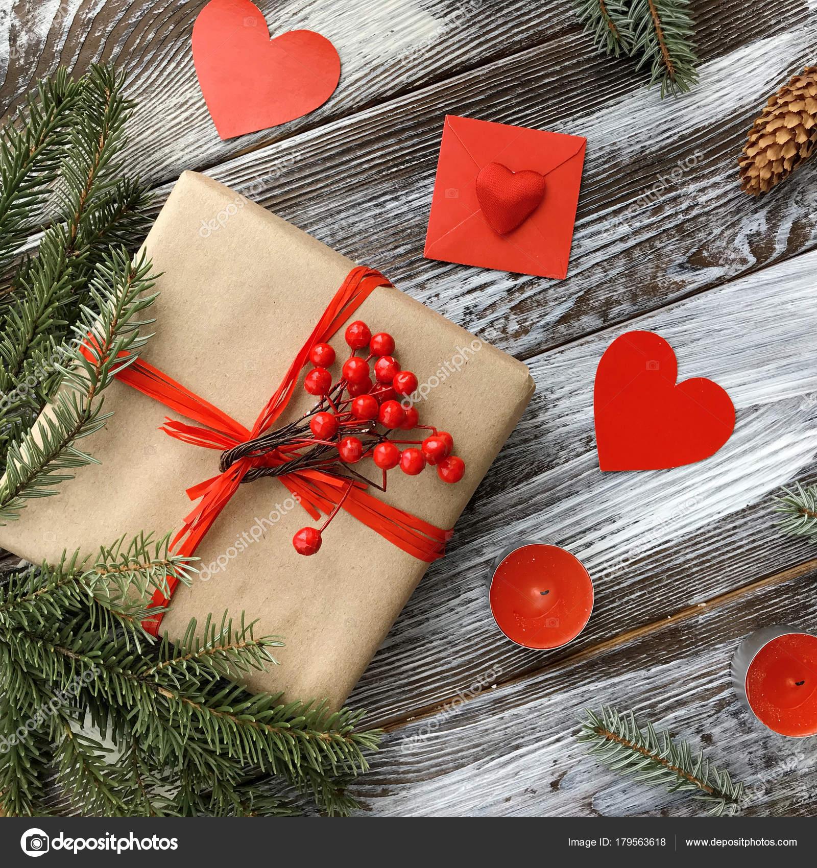 Valentinstag Komposition Mit Romantischen Verzierungen Geschenk Box ...