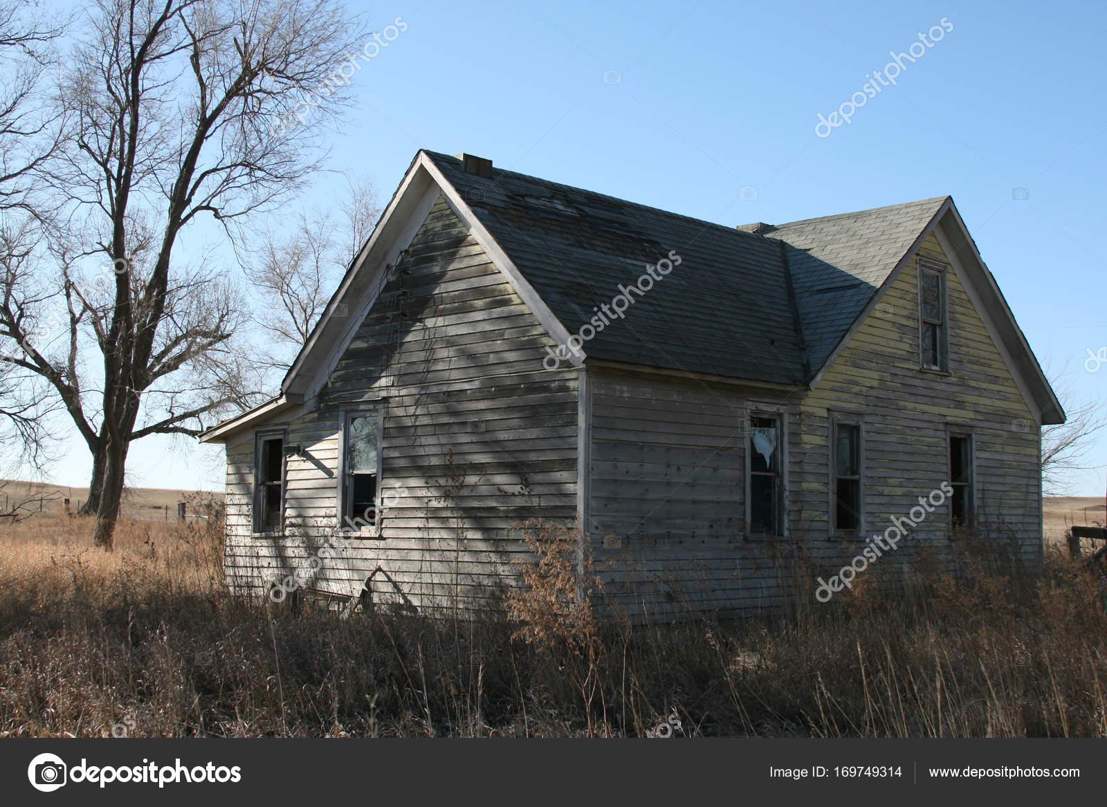 Abandoned Farm Home — Stock Photo © ron ronmckenzie com