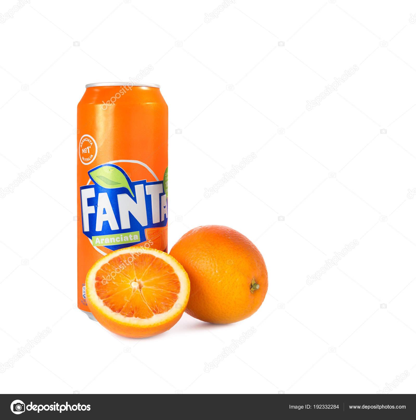 32c767f1f5 Pode Fanta laranja suco — Fotografia de Stock Editorial © jacklondon ...