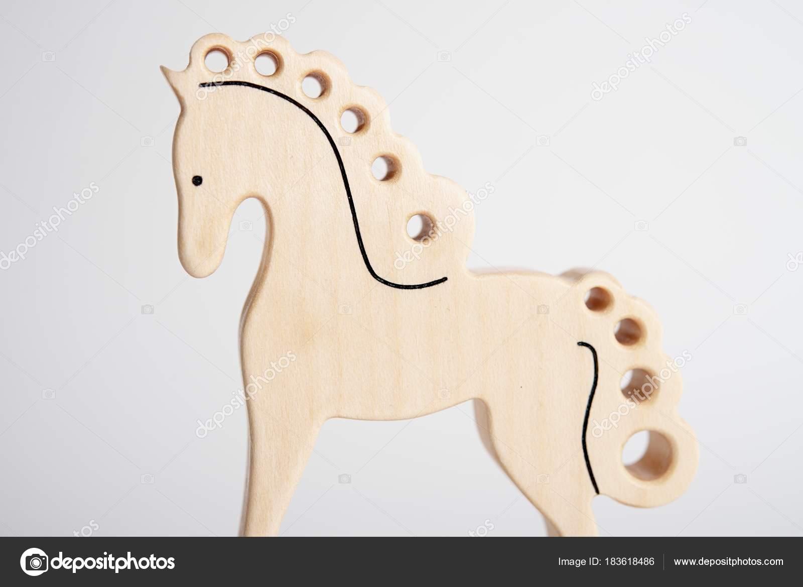 Cavallo Di Legno Giocattolo.Giocattolo Del Cavallo Di Legno Fatti A Mano Per Bambini Isolati Su