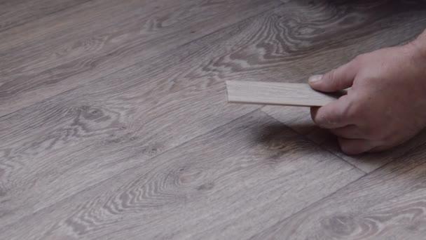 Montážní sokl pro připevnění k podlaze