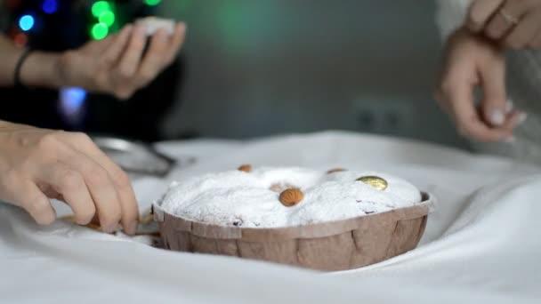 vaření lahodný sladký dort s cukrovou polevou na dovolenou
