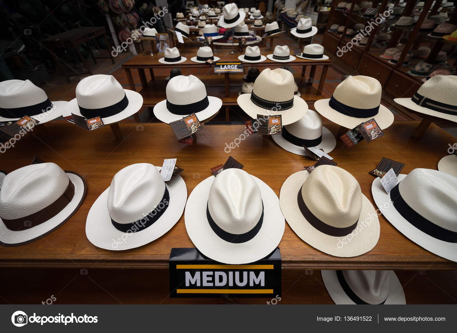 sombreros de Panamá en la exhibición en Cuenca — Foto editorial de ... 45bf9717faa