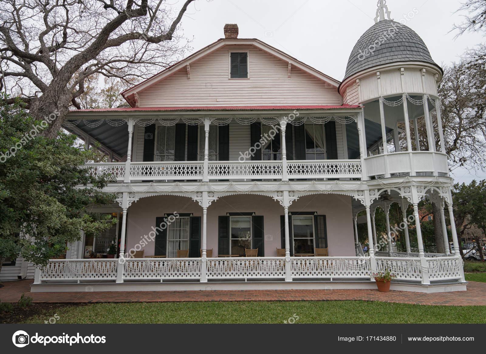 architecture de style victorien de Gruene au Texas — Photo ...